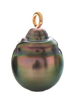 Semi-Barok Tahiti. Perlen: Marc'Harit. Foto: Iben Kaufmann